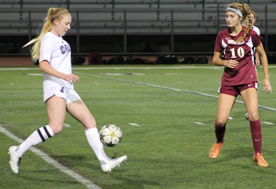 Girls varsity soccer hustles to start of the season