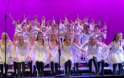 Choir performs their last show of the year