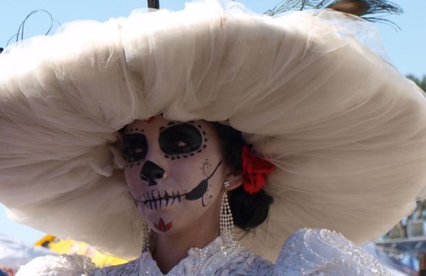 Community celebrates Dia de los Muertos