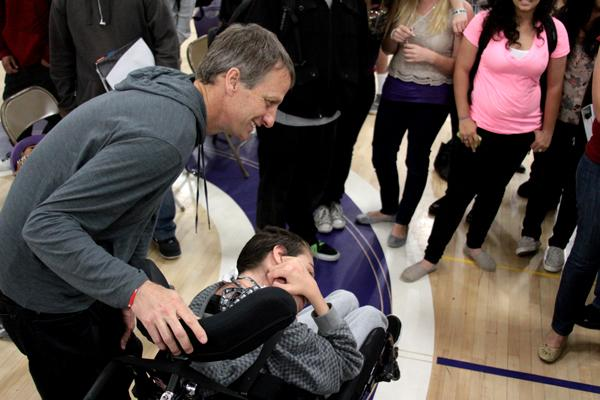 This thursday Tony Hawk came out to the annual Best Buddies Ban the R-Word Assembly to talk about respect and judging others. He posed with the buddies and lit up their day.