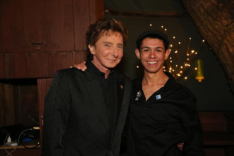 Senior+Anthony+Castelli+poses+with+one+of+his+idols%2C+Barry+Manilow.+For+Castelli%2C+meeting+Manilow+was+a+dream+come+true+as+well+as+an+opportunity+to+further+his+career.