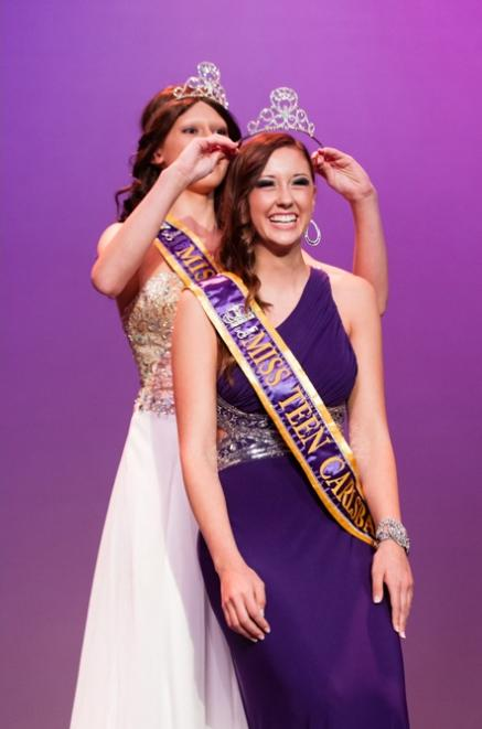 Miss Teen Carlsbad 2012 winner Jessica Streich crowns the most recent queen Hannah Webb as her successor. The Miss Carlsbad competition isnt your average pageant, it focuses less on beauty and more on personality and presentation, allowing a girl that will act as a role model and ambassador for the city to win.