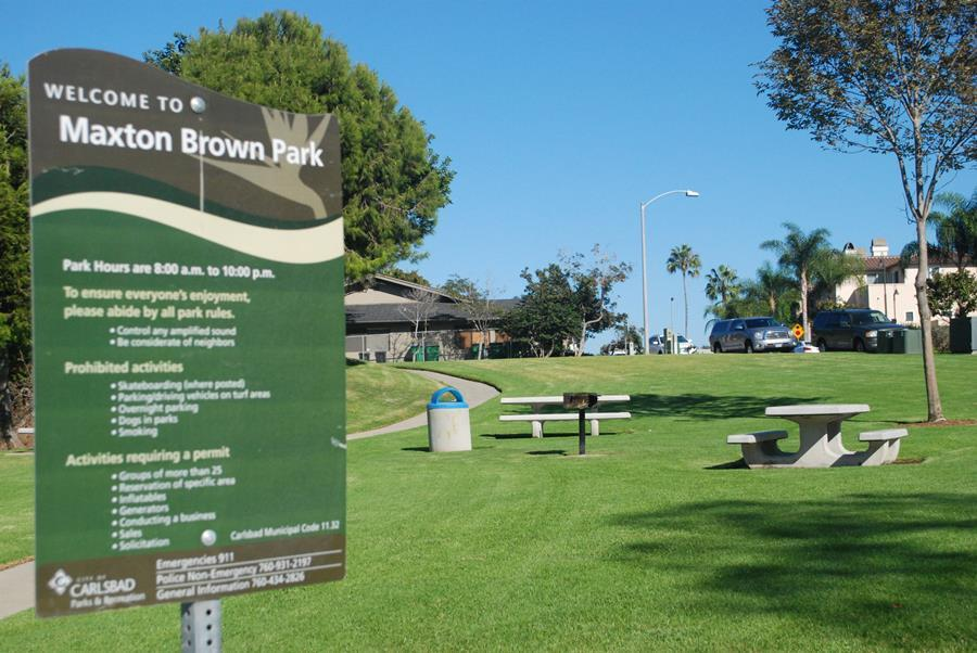 On+State+St.%2C+Carlsbad+has+the+Maxton+Brown+Park.+It+consists+of+one+barbecue%2C+3+tables+and+2+benches+in+an+area+of+1+acre.