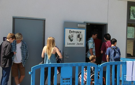 Students line up outside Lancer Jacks to get their lunchtime snacks. Lancer Jacks offers a wide variety of food to accommodate the various preferences of Carlsbad students.