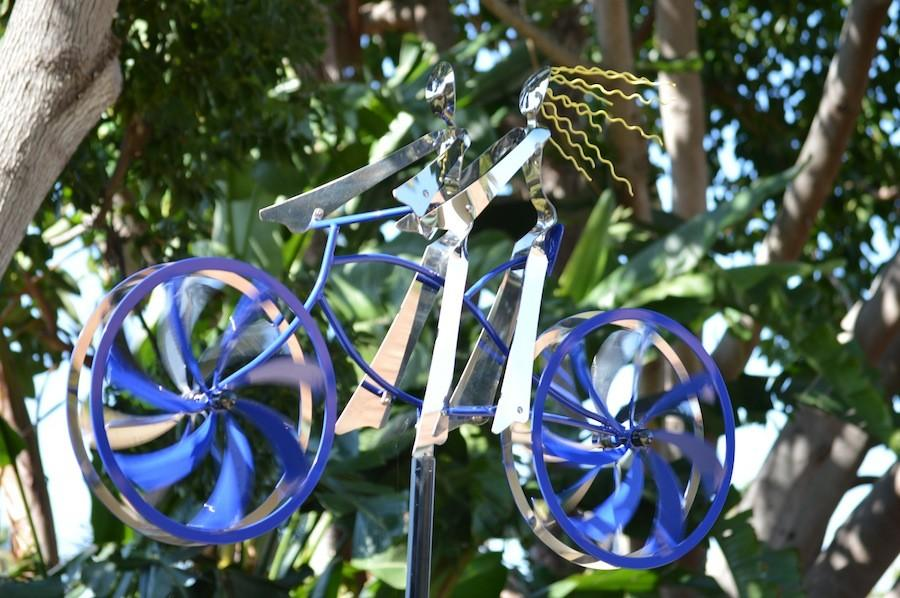 Amos Robinson, artist specializing in sculpting in the San Diego County creates what he calls Bringing Metal to Life. Robinson came to The Carlsbad Sculpture Garden to create and debut his works of art.