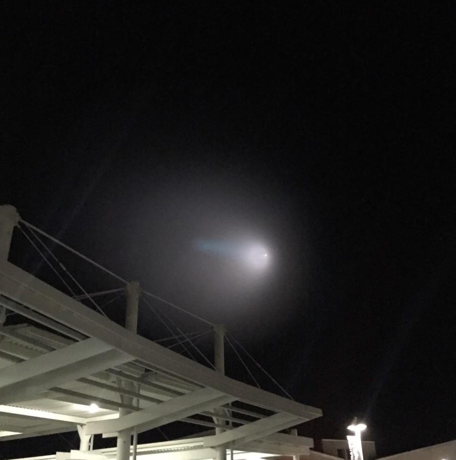 Saturday, November 7 an unknown light was spotted in various places along the west coast. All of the many theories were quickly shut down as the U.S. Navy explains this phenomena to be a missile test.