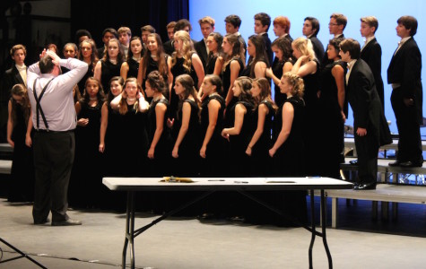 Choir Holiday Concert indulges in the holiday spirit
