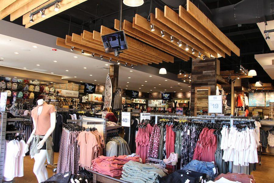 The clothing store Tilly's is now accepting applications for part-time positions. Any students above the age of 16 are welcome to apply and become a Tilly's employee.
