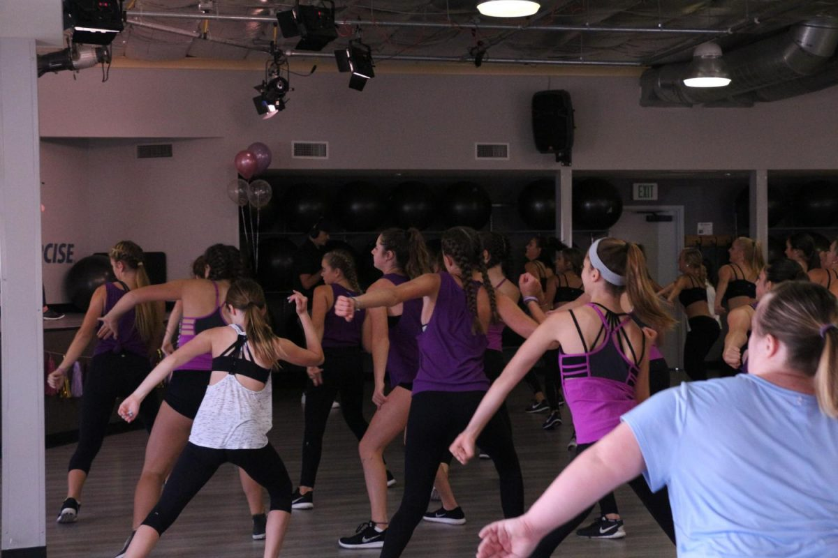 Jazzercise%27s+Girl+Force+meets+on+Saturday%2C+Sept.+23+for+a+workout+in+their+Oceanside+location.
