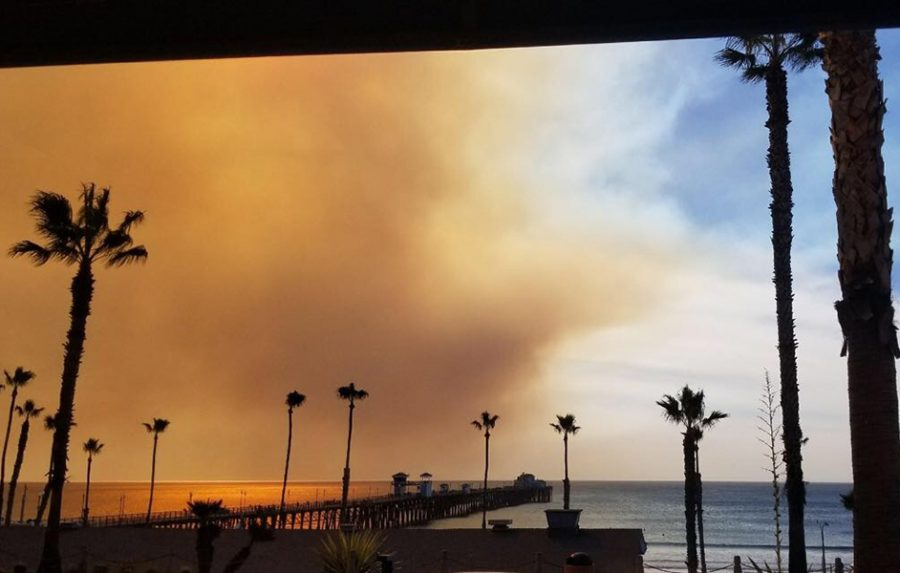 The+Lilac+Fire+which+broke+out+on+Dec.+7+is+quickly+moving+from+Bonsall+to+Oceanside+and+other+surrounding+issues.+The+California+wildfires+have+been+growing+and+spreading+throughout+the+last+week.