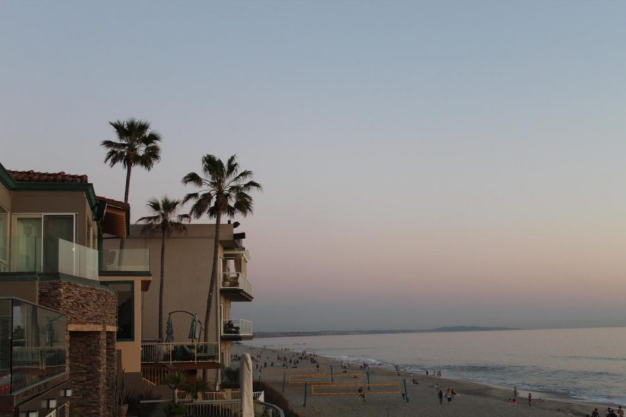 With beach houses and tourist activities, Carlsbad attracts newcomers and expands the city.