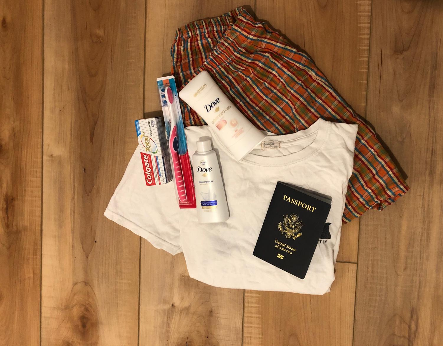 Here are some of the necessities to pack up in the event of an evacuation. By keeping a bag ready, you can leave your house quickly in case of evacuation.