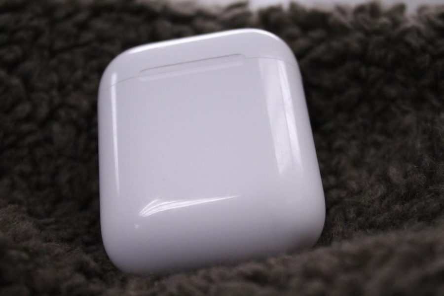 Airpods feature a sleek white design, with no differences between the 2016, and 2019 models. Apple tried a slightly new design with the Pro model, seen in the featured image