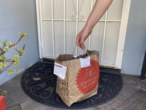 Several food delivery services such as DoorDash, Uber Eats and Grubhub bring food right to your door during quarantine. Photo by Sarah Brooks.
